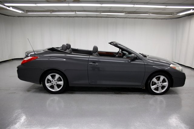 Pre-Owned 2007 Toyota Camry Solara