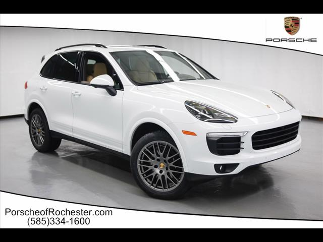 Pre Owned 2017 Porsche Cayenne Base